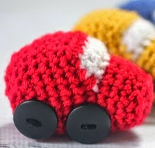 http://translate.googleusercontent.com/translate_c?depth=1&hl=es&rurl=translate.google.es&sl=en&tl=es&u=http://www.repeatcrafterme.com/2015/02/crochet-race-car-playnket-play-mat-and.html&usg=ALkJrhik18CPtQZz9zAzkD8In4UfWXZ_Mw