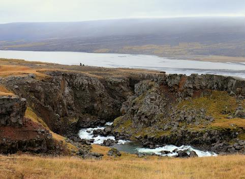 Potwór z jeziora Lagarfljot, wodospady i Mordor