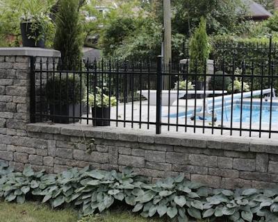 http://www.rumahminimalisius.com/2017/08/model-dan-desain-pagar-rumah-minimalis-modern-terbaru.html