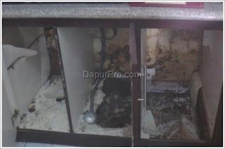 kitchen set hancur karena banjir