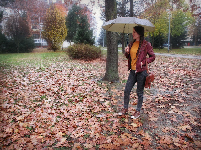 Rosegal recenzija, review, online trgovina, jesen, jesenski look, stil, fashion, burgundy, mustard, boja senfa, autumn, fall, umbrella, rainy day, kišni dan, rosegal saj, moje iskustvo s rosegal trgovinom, wishlist