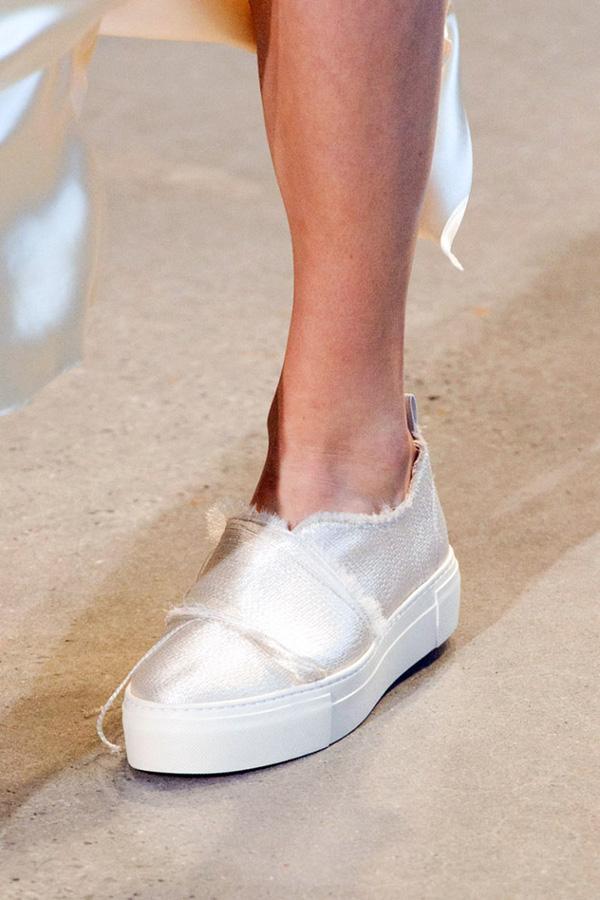 11 bằng chứng cho thấy giảy tăng chiều cao nữ sneaker vẫn đáng được sở hữu trong năm 20116