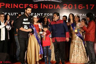John Aham, Bhagyashree, Subhash Ghai and Amyra Dastur Attends Princess India 2016 17 049.JPG