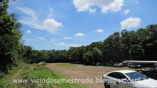 Estacionamento no Morro Ferrabraz