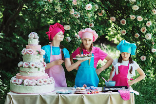 Children Baking, Outdoor Cake Stand