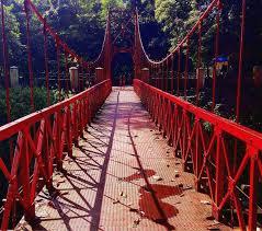 mitos jembatan merah kebun raya bogor bikin putus