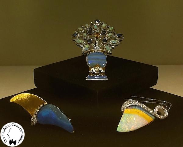 Mostra Gioielli d'artista Firenze - Paolo Penko - Gabbiano, spilla, 2007; Paniera fiorentina, spilla, 2009; Safari, pendente, 2012