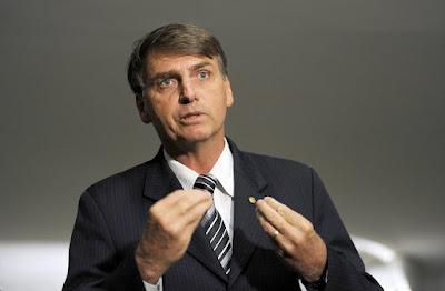 Bolsonaro convida delator condenado na Lava Jato para ser candidato a deputado