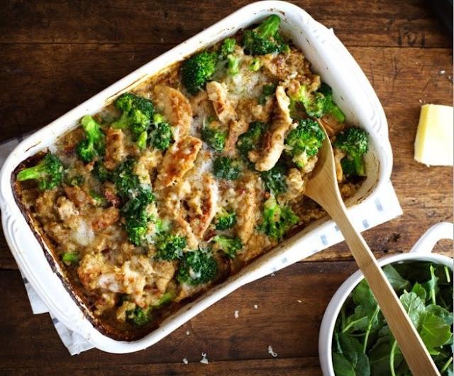 Creamy Chicken Quinoa and Broccoli Casserole #healthy #lowcarb