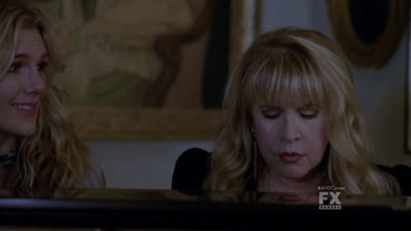 American Horror Story - Season 3 Episode 10 : The Magical Delights of Stevie Nicks