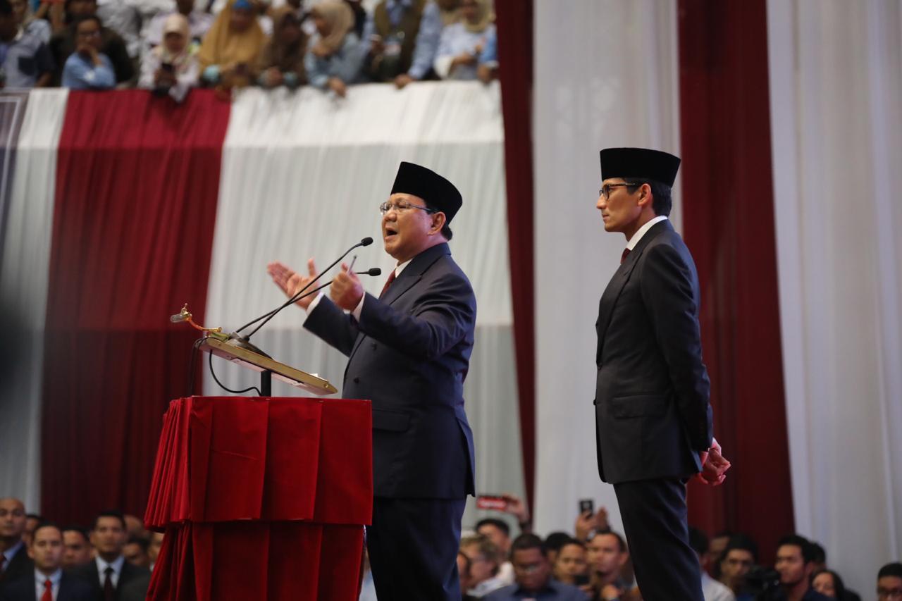 Panas dan Kejang dengan Pidato Prabowo? Sejukkan dengan 2 Foto Ini