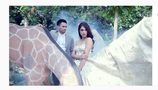 Kumpulan Foto-Foto Pernikahan Nabila Syakieb dan Reshwara Argya Radinal