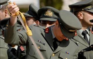 Σοκ στη Λαμία – Η απίστευτη κίνηση στρατιωτικού που «πάγωσε» νεαρή γυναίκα
