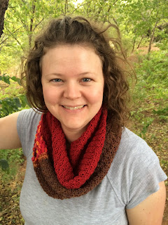 Free crochet pattern for an infinity scarf, pattern by April Garwood of Banana Moon Studio