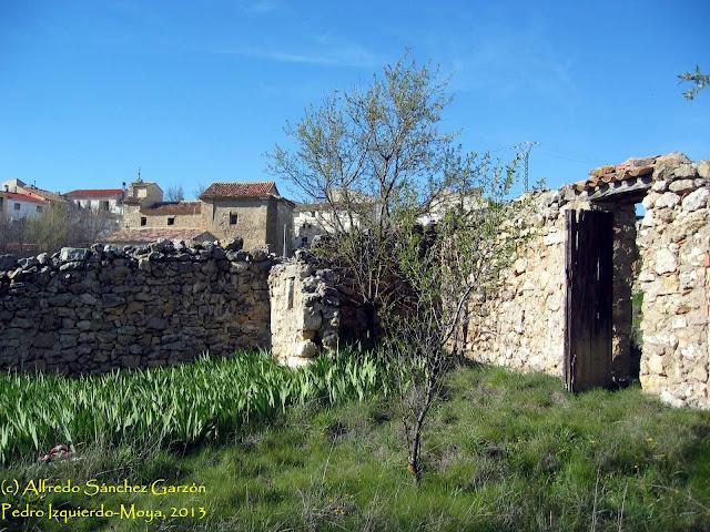 pedro-izquierdo-moya-cementerio-entrada