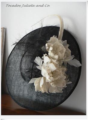 pamela negra con flores