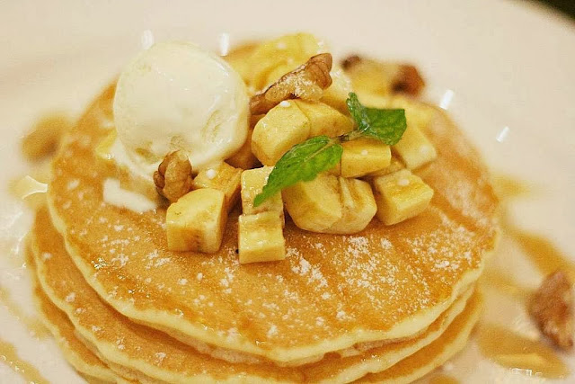 Banana and walnuts pancake Italianni's Restaurant's Breakfast Dishes
