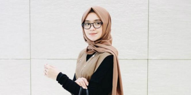 3 Tips Berhijab Meski Memakai Kacamata