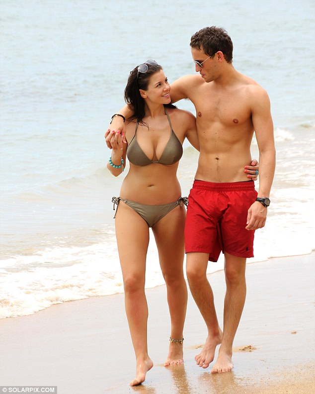 Imogen Thomas Shows Off Curvy Bikini Body With Boyfriend