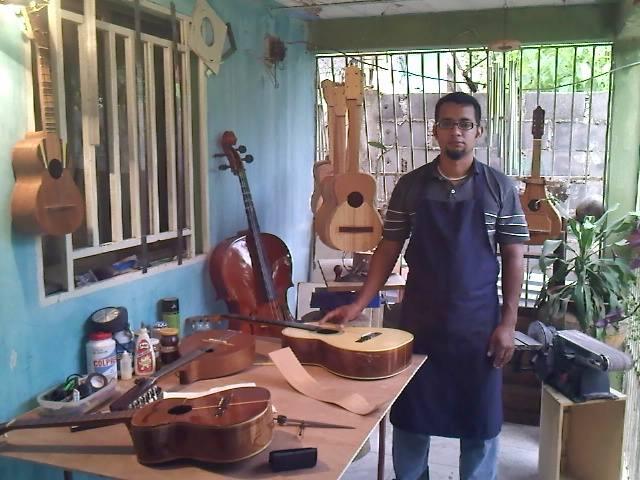 Alexis Guevara Luthier