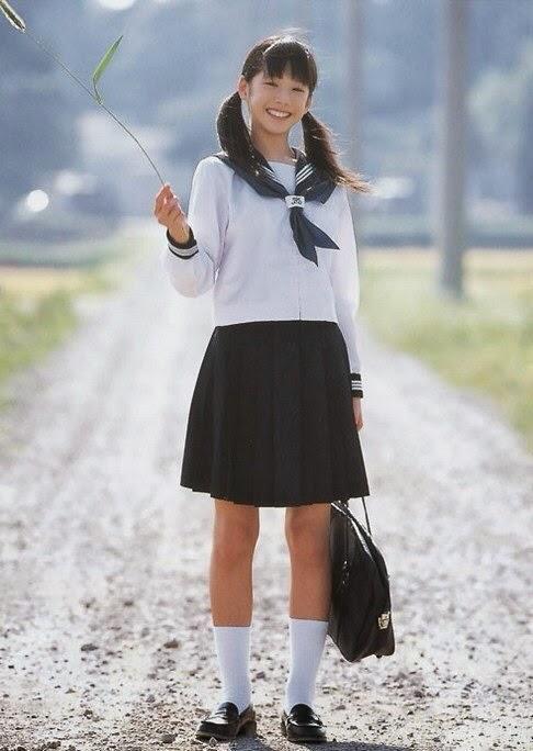 Japanese school uniform vs Korean school uniform - K-POP ...