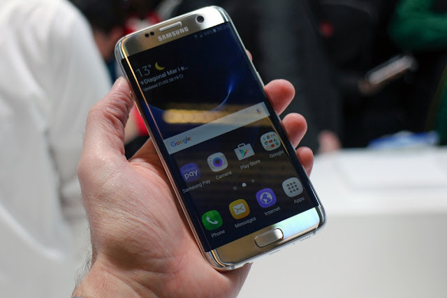 Samsung Galaxy S7 pictures, official photos and Samsung Galaxy S7 Edge  pictures