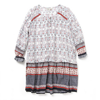 Pattern mix a line blouse, KRW 199,000 by Thursday Island