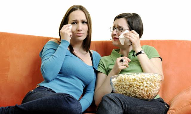Γιατί μας αρέσει να βλέπουμε ξανά και ξανά κάποιες ταινίες – Τι συμβαίνει στον εγκέφαλο…