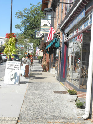 Shopping in Downtown Gettysburg Pennsylvania