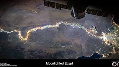 رائد فضاء يعلن مرور محطة فضاء فوق القاهرة اليوم