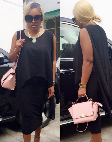 sales girl steals mercy aigbe blackberry phone