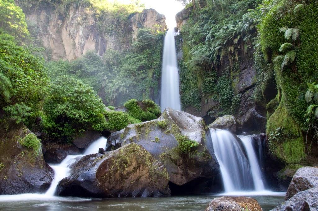 Pesona Air terjun Coban Talun di Batu Malang