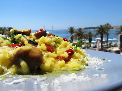Risotto with roasted mushrooms and saffron