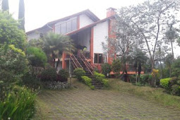 Villa BIVAQ Istana Bunga