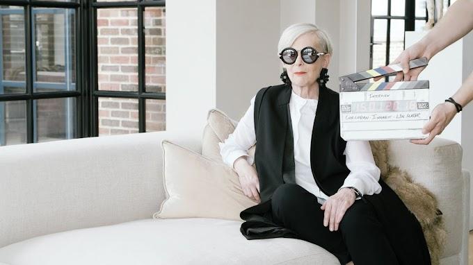 Lyn Slater Nenek Berumur 64 Tahun Sukses Jadi Fashion Ikon. Follow IG nya di @iconaccidental !!