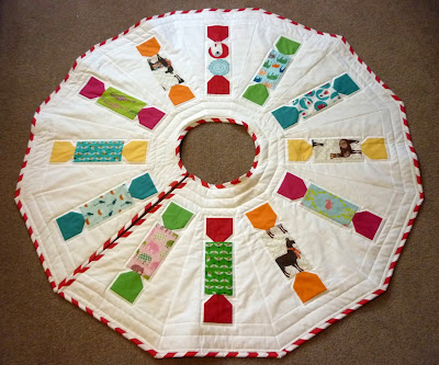 """Animal Crackers"" a Free Christmas Tree Skirt Pattern designed by Reene from Nellie's Niceties"