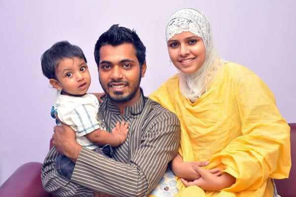 Bangladeshi Model Arfin Rumey With His Wife  Son-1656
