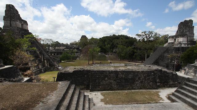 Naachtun, Ciudad de la Edad de Oro de los Mayas