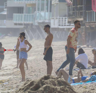 Kendall-Jenner-and-Blake-Griffin-Seen-at-beach-in-Malibu-13+%7E+SexyCelebs.in+Exclusive.jpg