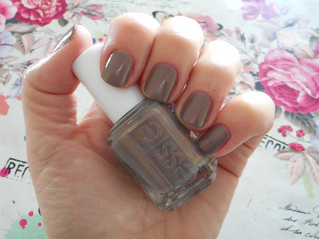 Essie Winter 2017 Collection - Social-lights