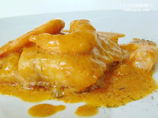 Bacalao en salsa de langostinos