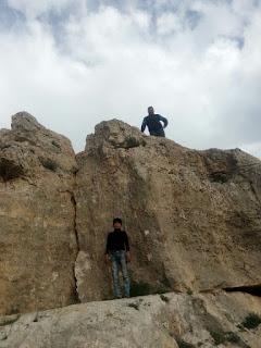جمال الصخور في عنبه