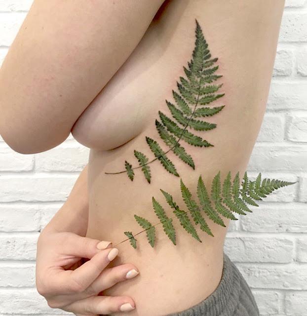 Tatuadora cria tatuagens baseadas em impressões digitais de plantas e flores