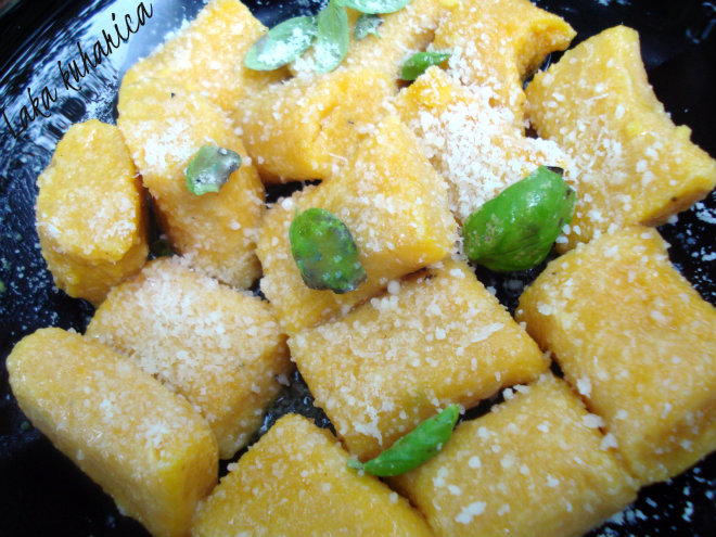 Pumpkin gnocchi with basil and Parmesan cheese by Laka kuharica: fluffy and tender gnocchi, ideal as light dinner.