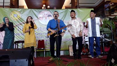 Charly dan Doel Sumbang Hibur Kegiatan Silatnas Alumni Cipasung di Karawang