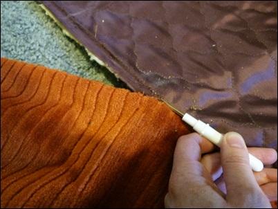 recorte do tecido do sofa