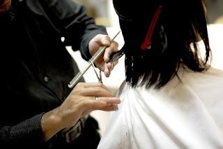 Mitos Ibu Hamil Potong Rambut