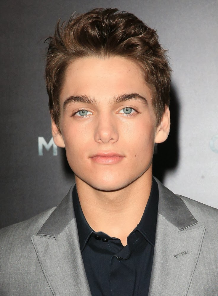 Famous 14 Year Olds Guys: Los Ojos Del Espectador: Dylan Sprayberry