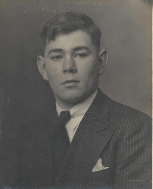 Graduation photo of Walter Scott Emmons II - 1923 - 1984