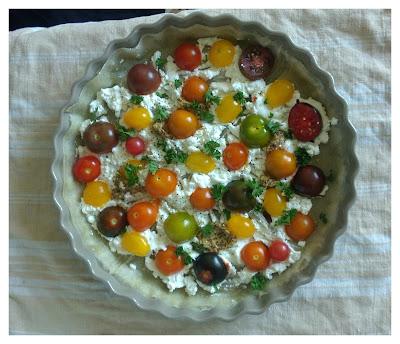 vue d'ensemble de la tarte feuille de brick tomate